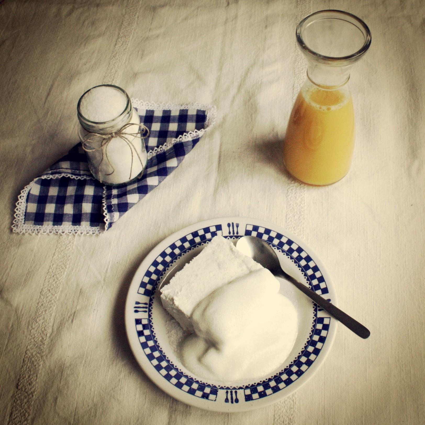 Twarożek ze śmietaną i cukrem