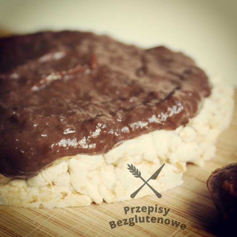 Bezglutenowa czekolada daktylowo-śliwkowa